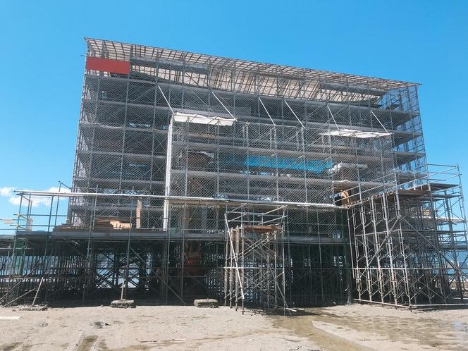 大鳥居は現在改修工事中です。