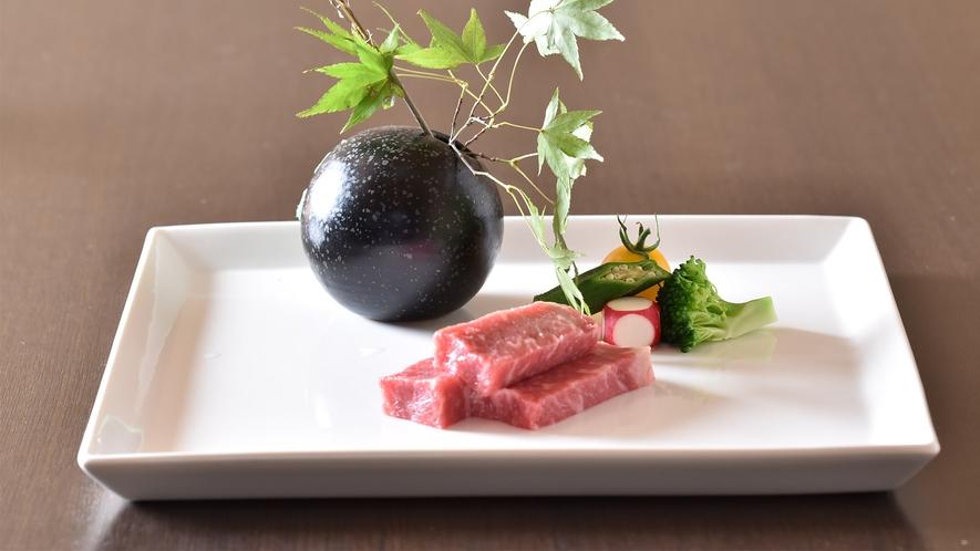 会席料理一例:広島県産牛