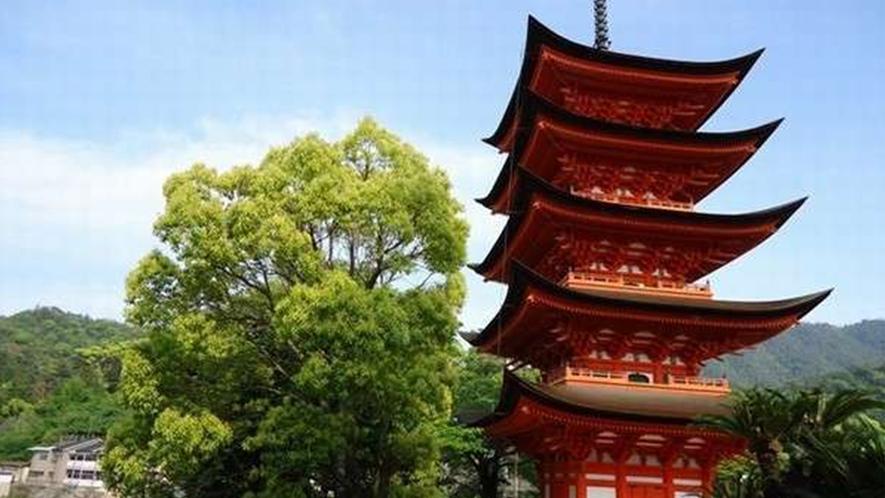 宮島風景☆千畳閣の隙間から見た五重の塔