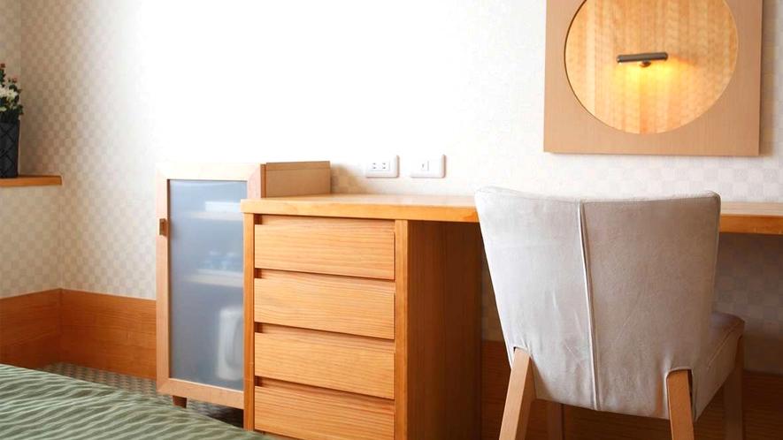 【本館ツインルーム】302・303号室☆木の温かみのあるお部屋です!