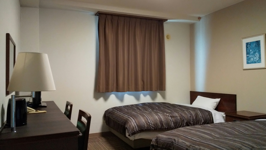 ツインルーム ベッドサイズ120cm×196cm