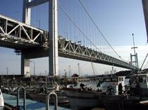 下津井港から見る瀬戸大橋