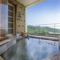 露天風呂付客室「朝日の間」岩風呂