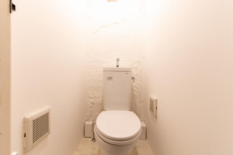 トイレ/2F