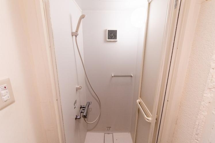 シャワールーム/2F