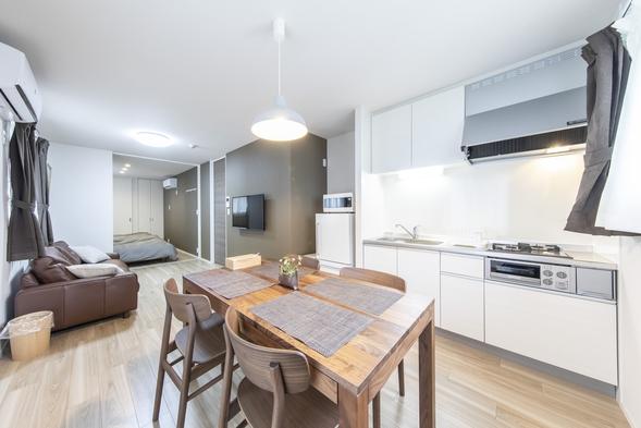 【夏旅セール】【スタンダード】駅から徒歩4分/暮らすように泊まる キッチン・洗濯機完備
