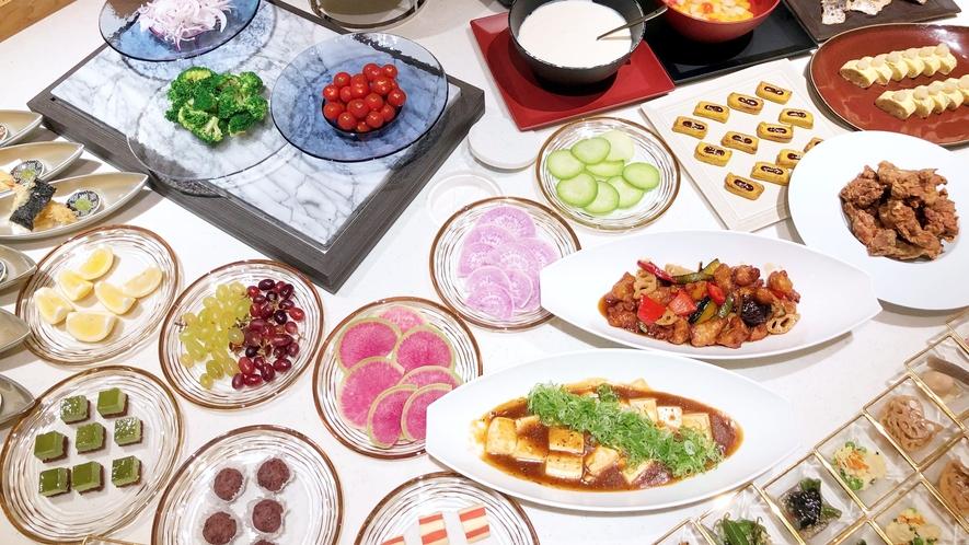朝食ビュッフェ 全体イメージ(魅力あるメニューをご提供する為、内容の一部の変更を常に行なっています)