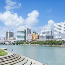 沖縄セルラースタジアム、沖縄県立武道館へは徒歩約5分