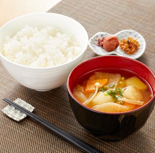 朝食(ごはん・味噌汁)