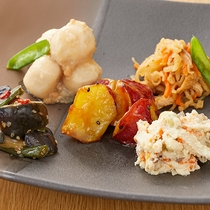和食総菜盛り合わせ