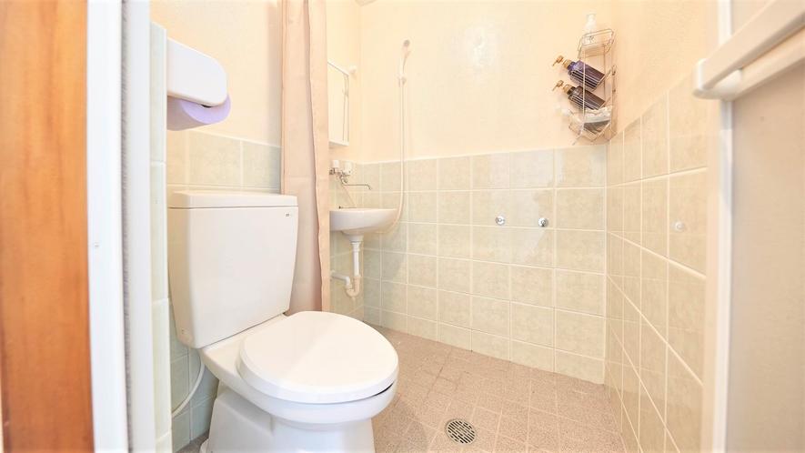 浴槽なし・シャワーのみのバスルーム