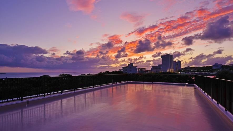 【屋上】屋上から眺める夕焼けをお楽しみくださいませ