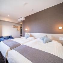 【ハリウッドツインルーム】ベッド2台に広々スペース♪