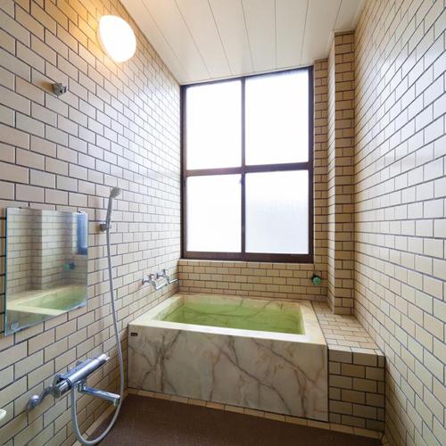 *お風呂/1〜2名様で貸切利用も可能です。