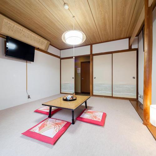 *102号室(8畳バストイレなし)1階のお部屋なので、食堂や玄関への移動がスムーズです。
