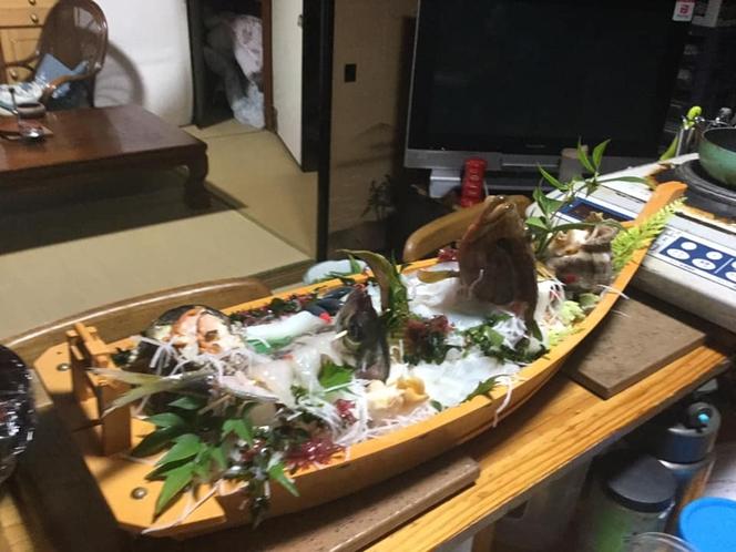 舟盛り二人で4000円