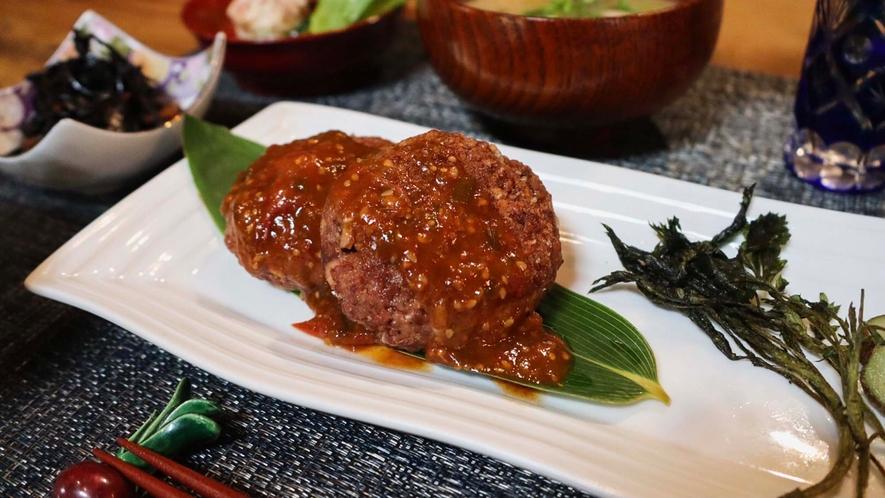 ・<選べる夕食①>高きびのハンバーグ