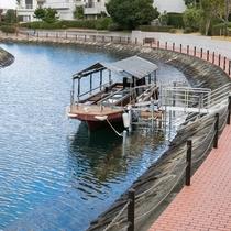 【グラスボート】グループホテルの湯巡りへ専用グラスボートで送迎いたします