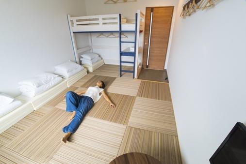 2-5名個室(琉球畳とロフトベッド)