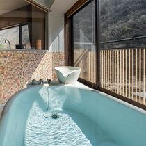 【半露天風呂付スイート】<洋間+和室+ツインベッド>