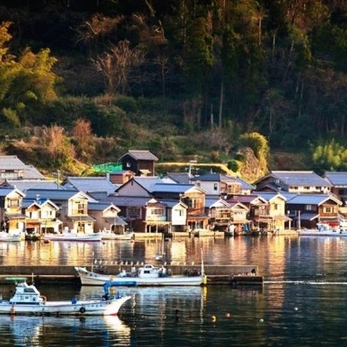 秋の「伊根の舟屋」(重要伝統的建造物群保存地区)