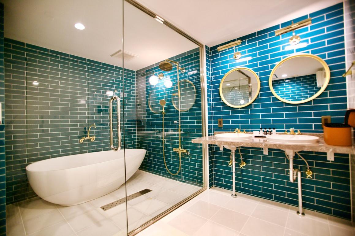 Bathroom 203