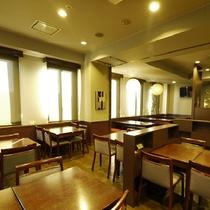 《レストラン花茶屋》朝6:45~9:00 夕18:00~22:00(LO21:30、日曜祝日定休日)