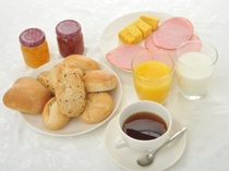お好きなものをお好きなだけ!無料朝食バイキング!