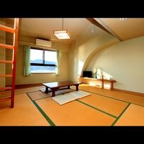 ロフト付き!10畳和室■オーシャンビューの明るい和室です