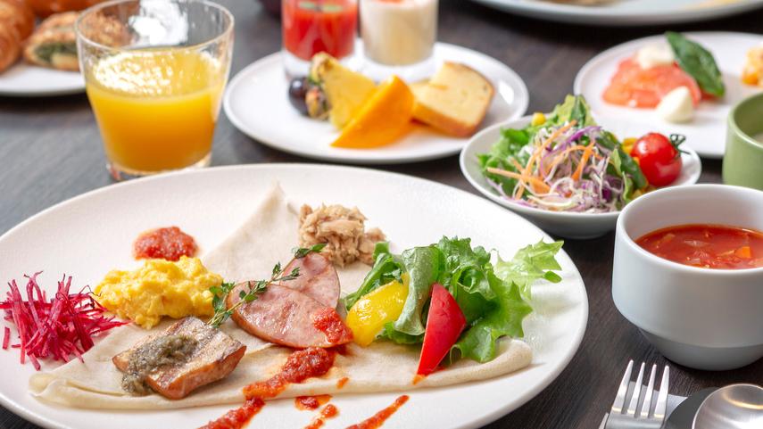 【朝食】 焼きたてクレープにのせて味わう、新・朝食スタイル