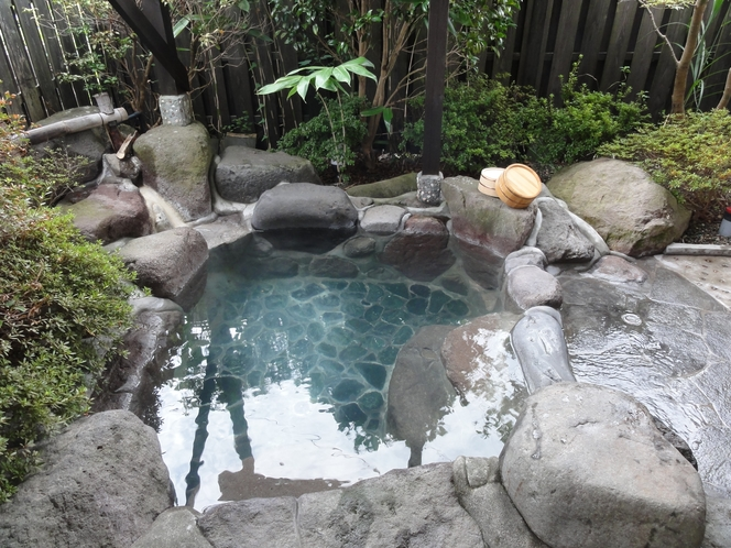 「青湯」天然温泉かけ流しの露天風呂