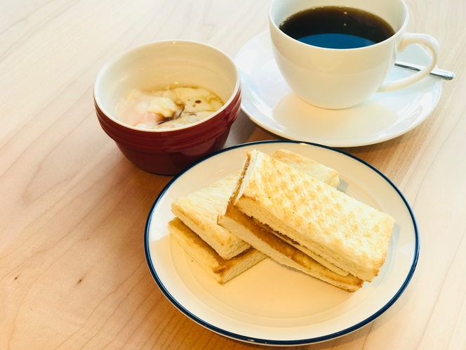シンガポール流の軽いご朝食・カヤトースト