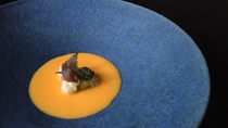 *夕食一例/揚げ餅-バターナッツのすり流し-紫蘇ペーストを添えて