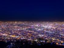 藻岩山から札幌の夜景を一望