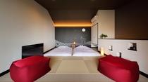 2F露天風呂の続きには、お風呂上がりにゴロゴロできる小上がり風の和室をご用意しています