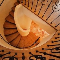珍しい北欧のインテリアを使った螺旋階段のデザインにもご注目!