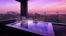 お客様専用露天温泉は24時間いつでも何度でもお愉しみいただけます。
