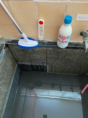 お風呂(温泉家族風呂)の清掃