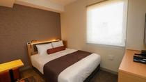 【ダブルルーム】16㎡・ベッド幅150cm・独立バスルーム・客室内金庫