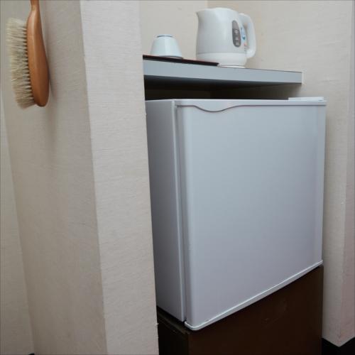 **客室一例/冷蔵庫も完備しているのでお部屋での食品保管も◎
