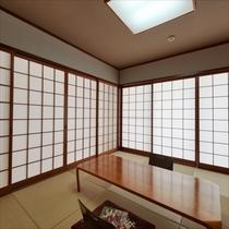 **客室一例/落ち着いた雰囲気の和室でゆったり流れる島時間をお過ごしください