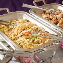 **ご夕食一例(別館バイキング)/和洋食バラエティに富んだお食事をお楽しみください