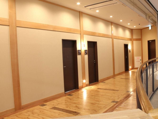 洋室[VIPルーム]通路
