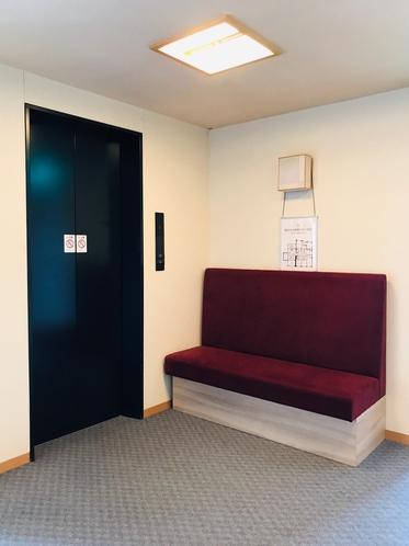 エレベーター(1階から最上階)