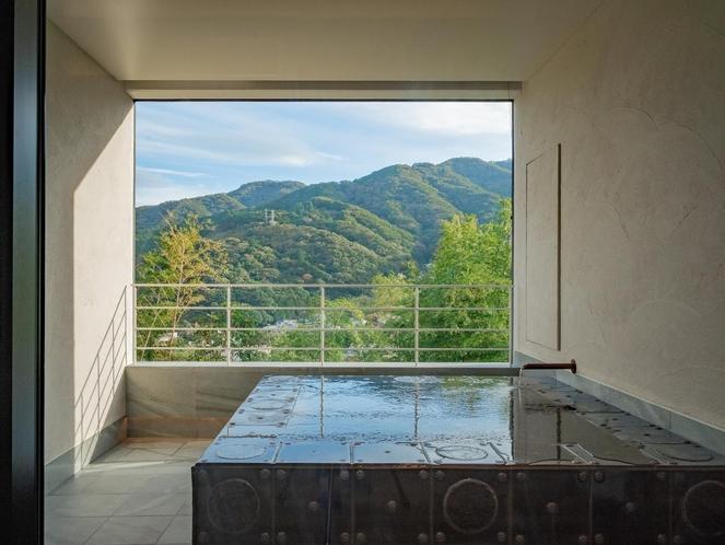 客室露天風呂(三輪のスイート)