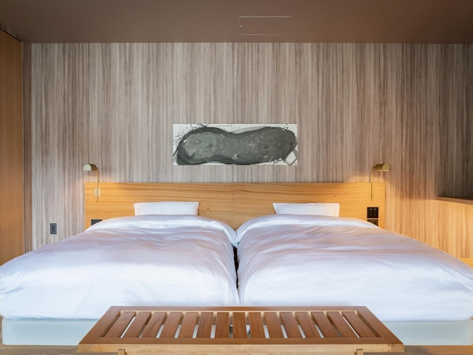 ベッド(三輪のスイート)