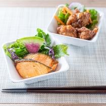 【無料健康朝食】石狩のサーモンやザンギはご飯に合います!ご賞味くださいませ!