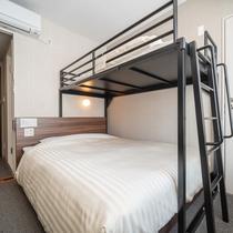 【スーパールーム】ロフトタイプの上下ツインベッドのお部屋。ファミリーに大人気!最大3名までご宿泊可能