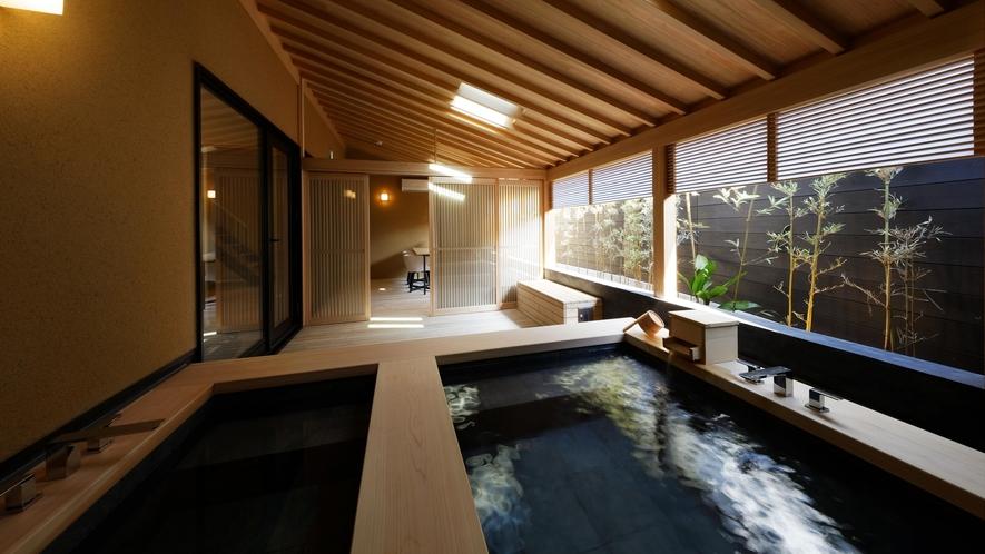 離れ「榯美邸」客室露天風呂