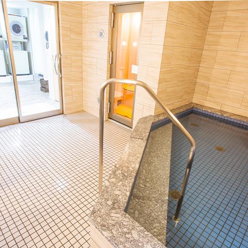 浴場(男湯)浴場、サウナ(男湯)ご利用時間(18:00〜23:00/6:00〜8:00)